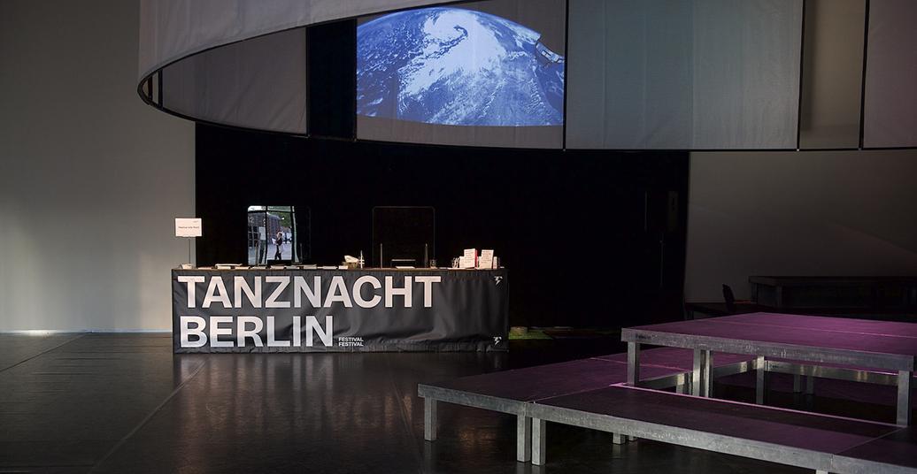 Displaying Displacement – oder Ausgestellte Verschiebungen/Verlagerungen: Die Tanznacht Berlin Vertigo (Part One)