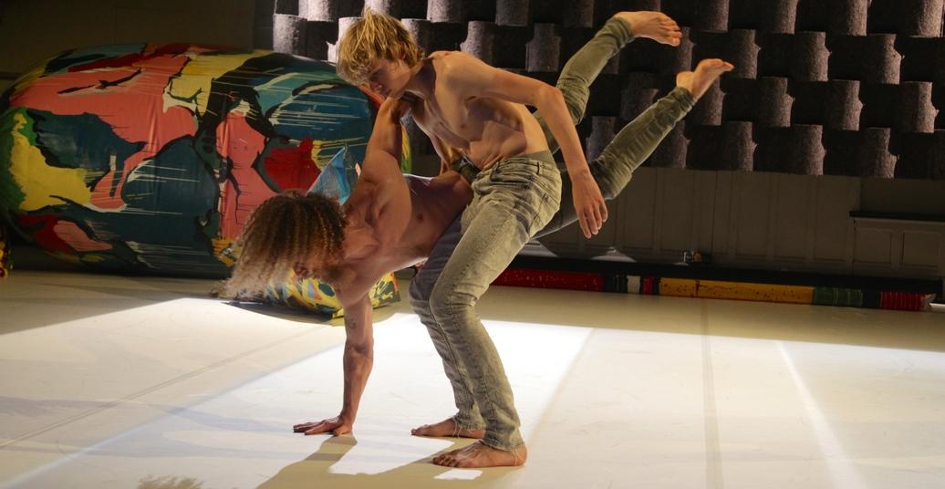 Kraftvoll, akrobatisch, männlich?